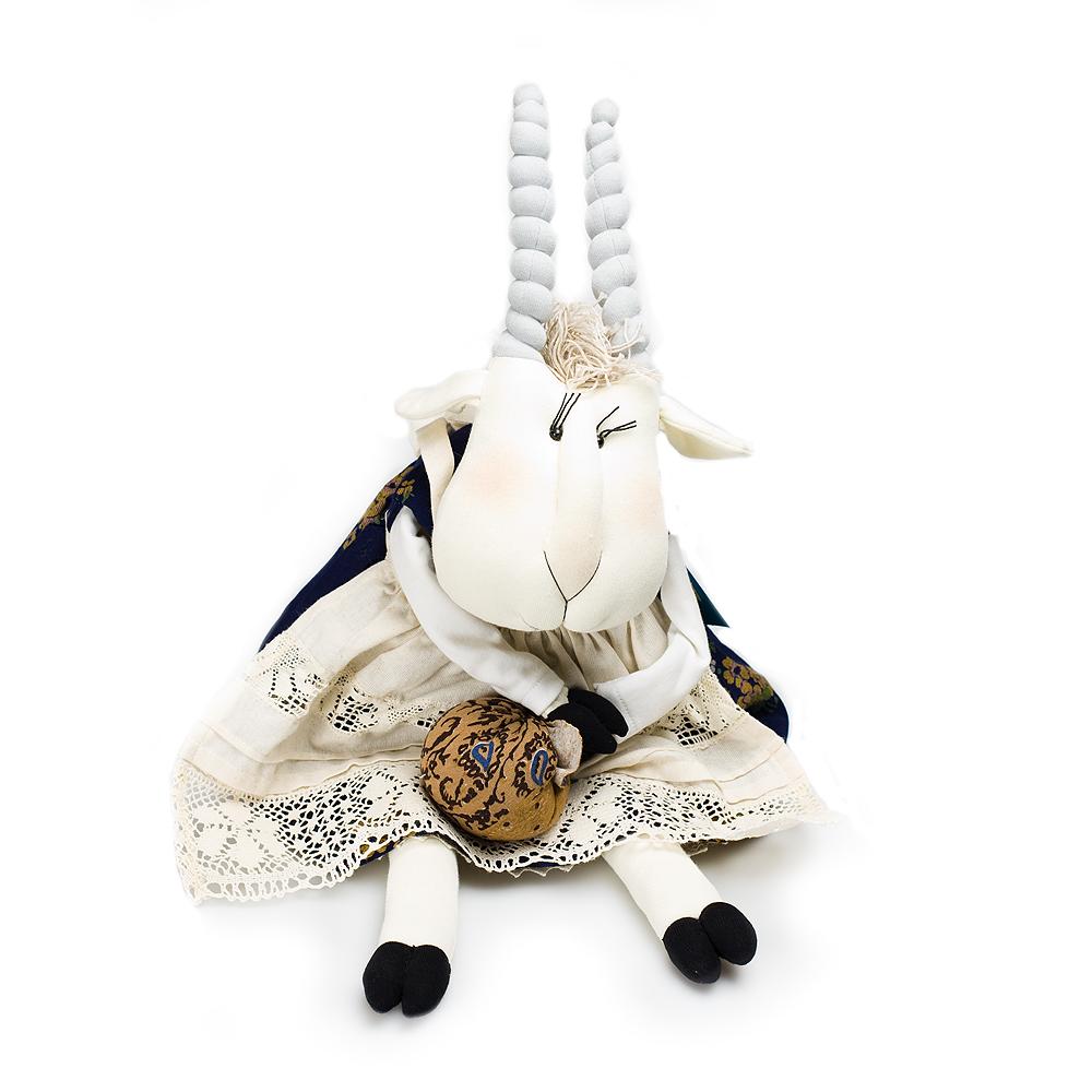 Авторская игрушка О.Ярмольник Коза
