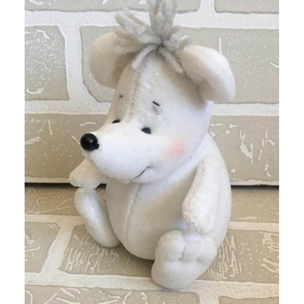 Авторская игрушка О.Ярмольник Снегомышка