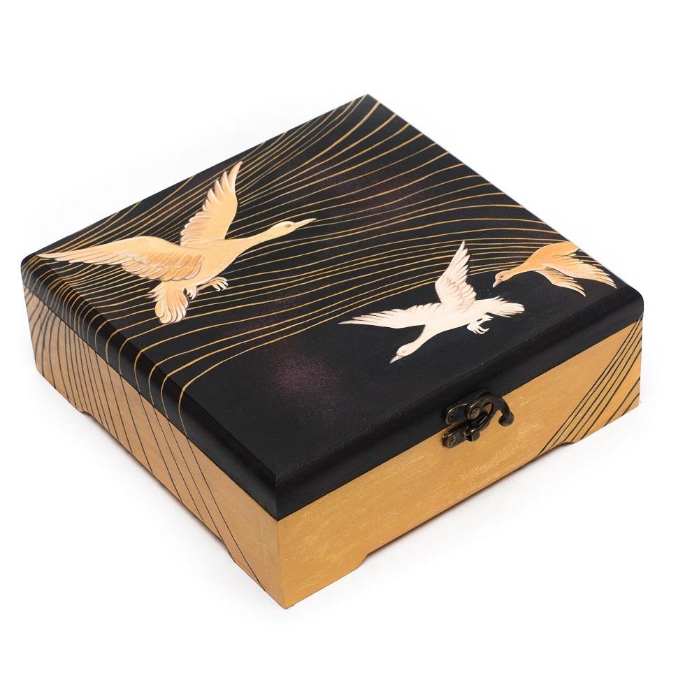 Шкатулка с росписью Гуси-Лебеди